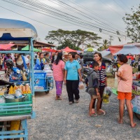 Talaad Thai: Auf den Märkten