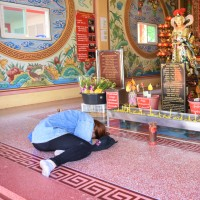 In der Grotte: Buddha, Tempel und Dämonen